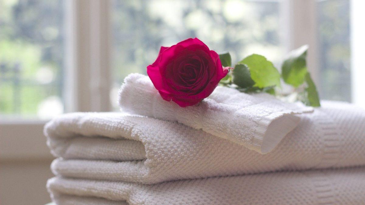 Location Airbnb : faut-il faire le ménage ?